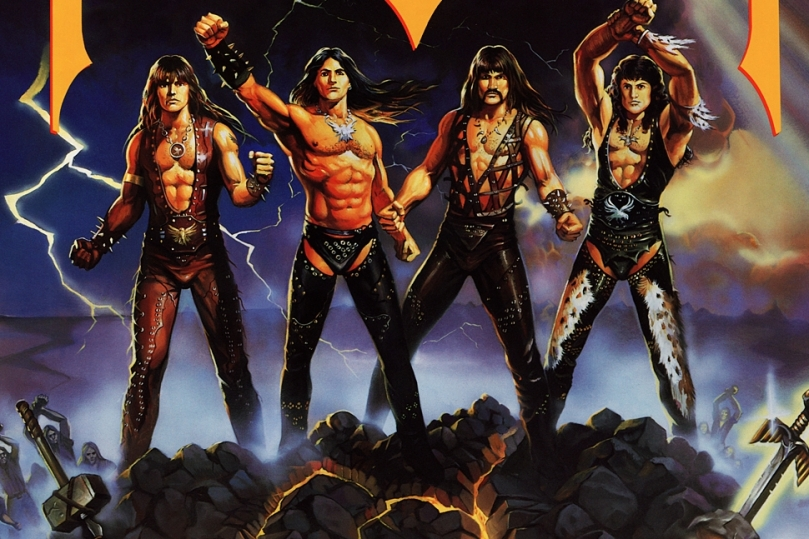 manowar_fighting_the_world_foldout_2065x1024px_110221115758_2